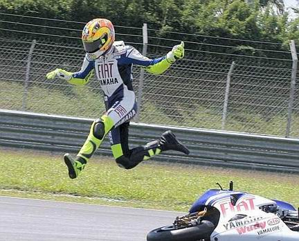 rossi_crash_sepang_test_1.jpg
